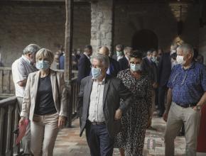Hélène Sandragné et Hervé Baro en visite à l'abbaye de Lagrasse dans le cadre de la fondation Patrimoine