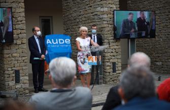 André Viola, Hélène Sandragné et Gael Rainaud rendent hommage à Marcel Rainaud.