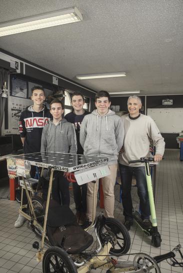 Bruno Lécubain et ses élèves