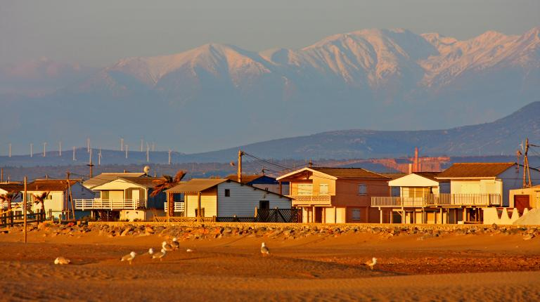 Vue sur des maisons sur la plage
