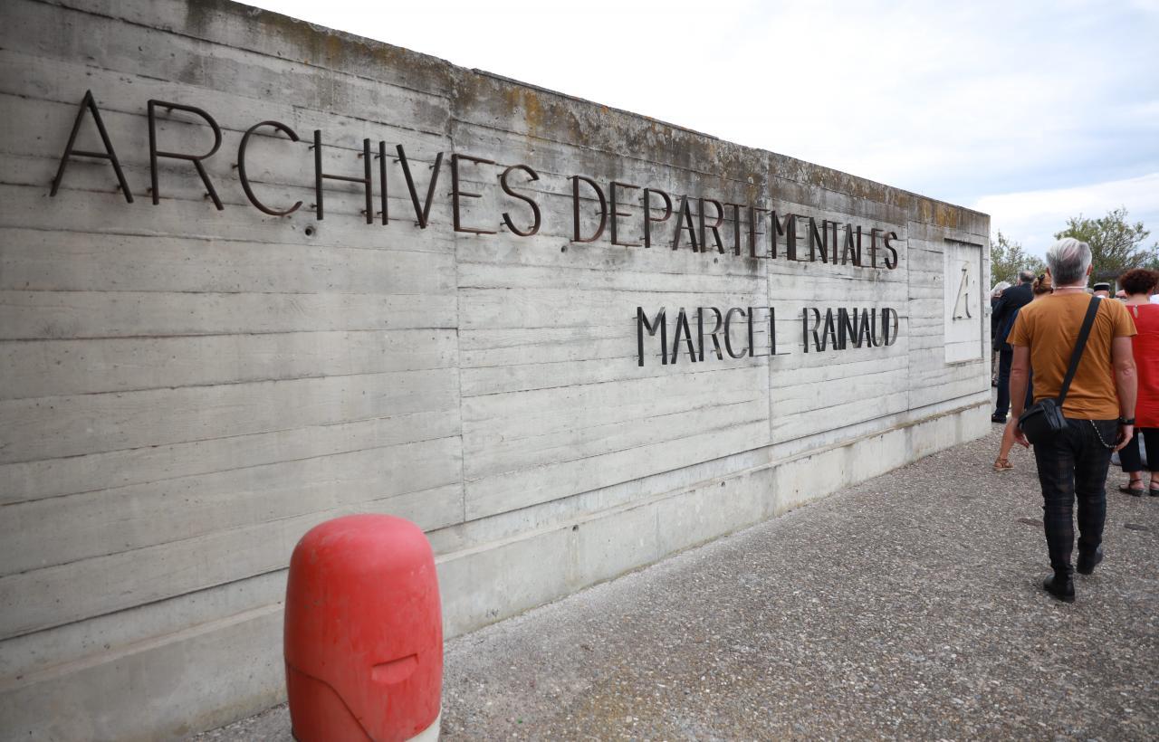 Les archives départementales de l'Aude portent le nom de Marcel Rainaud